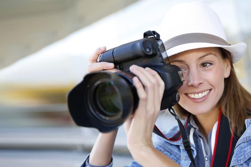 Grip là gì? 4 lợi ích của grip máy ảnh giúp chụp hình đẹp không rung | giamcanlamdep.com.vn