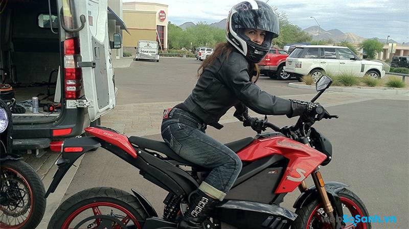 Hệ thống đốt nhiên liệu đóng vai trò quan trọng trong việc tăng tốc độ xe máy