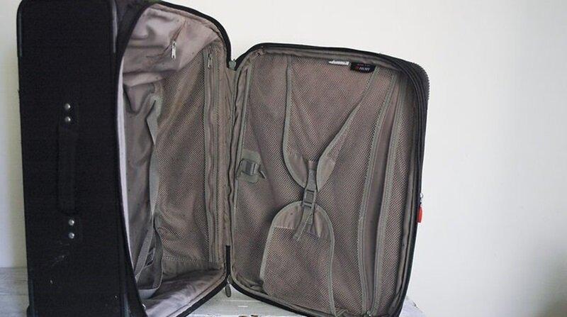 Cách vệ sinh vali du lịch