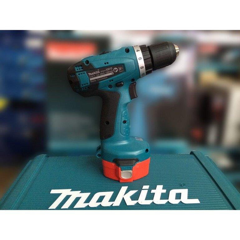 máy vặn vít dùng pin Makita