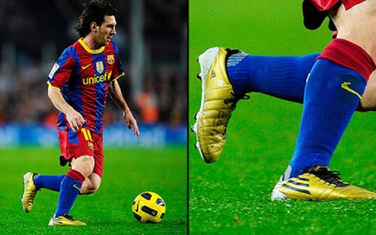 Giày đá bóng là dụng cụ thể thao chuyên nghiệp được thiết kế dành riêng cho những người có nhu cầu chơi bóng đá