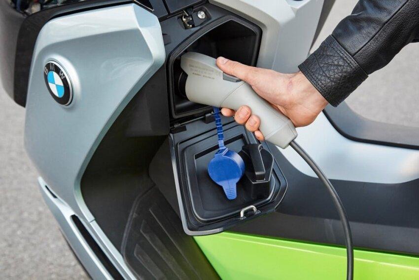 Sạc xe điện đúng cách tăng tuổi thọ cho xe