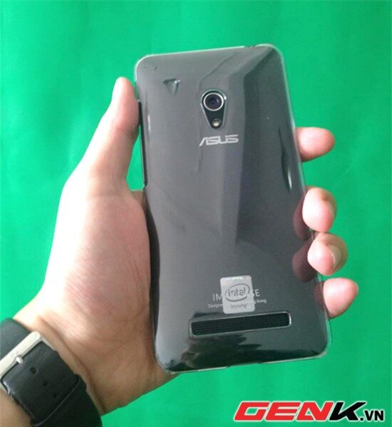 Zenfone gây sốt thị trường Việt, phụ kiện smartphone cũng nóng theo từng ngày