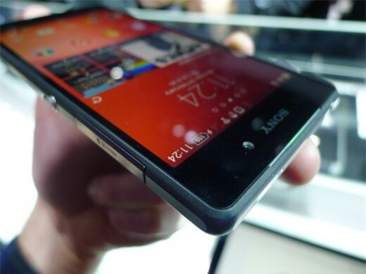 P1050043 520x390 Sony Xperia Z2 hands on: A promising rival to the Samsung Galaxy S5