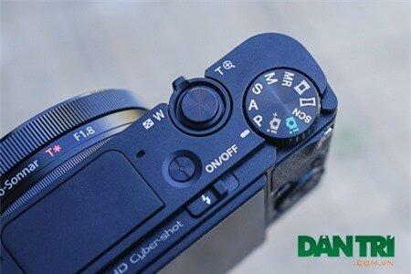 Người dùng có thể Zoom hay chọn các chế độ chụp ảnh nhanh chóng