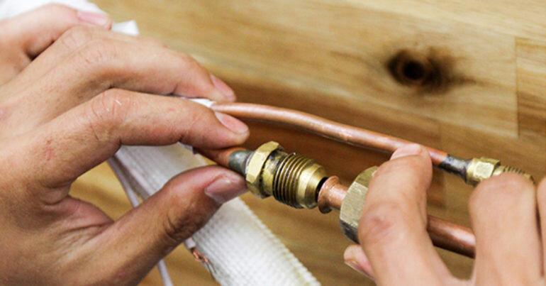Tại sao lắp mới điều hòa hoàn toàn được miễn phí công lắp đặt còn lắp điều hòa có ống đồng chờ sẵn lại tính phí lắp đặt 250.000 vnđ ?