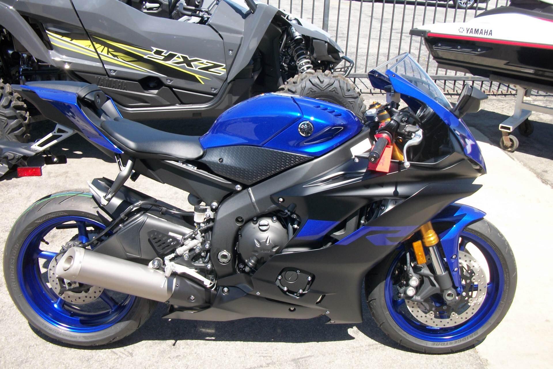 Yamaha R6 tay lái ổn định phù hợp với các cô nàng yêu thích tốc độ