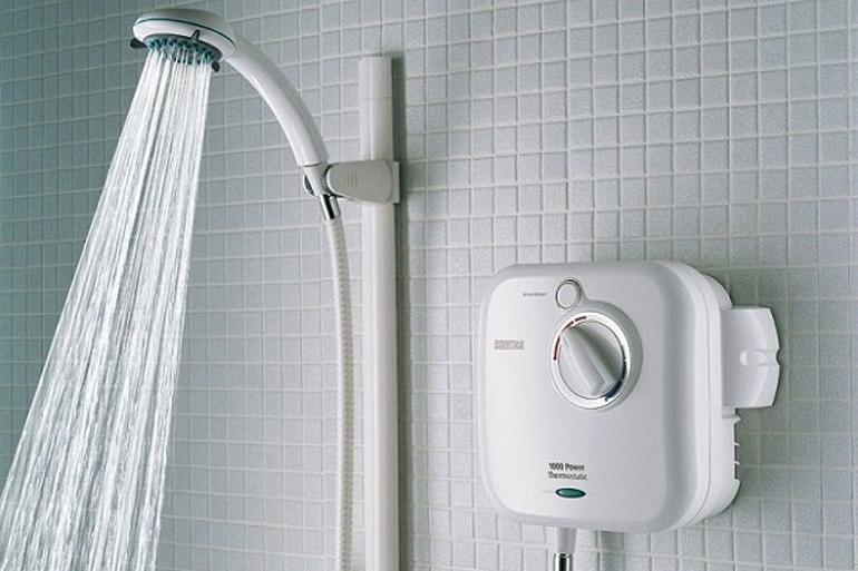 Bình nóng lạnh trực tiếp an toàn và cho không gian phòng tắm thoáng hơn