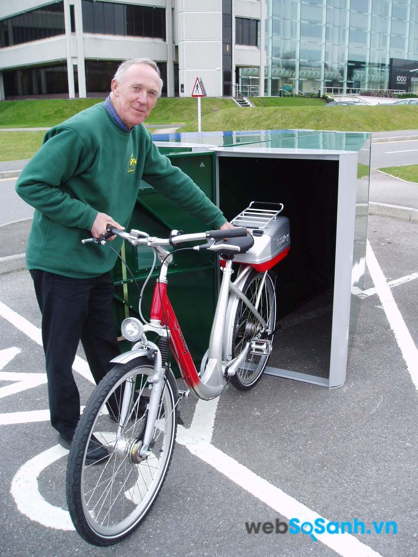 Đối với người già thì an toàn là yếu tố quan trọng nhất trong khi mua xe đạp điện