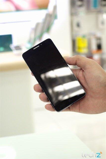 Trên tay Alcatel One Touch Idol: Lựa chọn tầm trung sáng giá-image-1385547100929