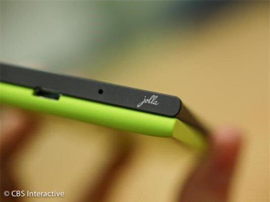 Cận cảnh smartphone đầu tiên chạy hệ điều hành Sailfish OS-image-1385799903551