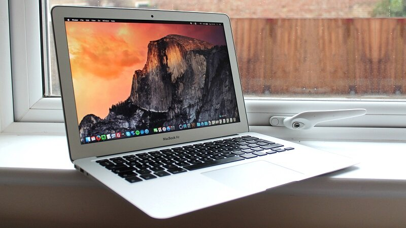 Apple MacBook Air 13.3 New