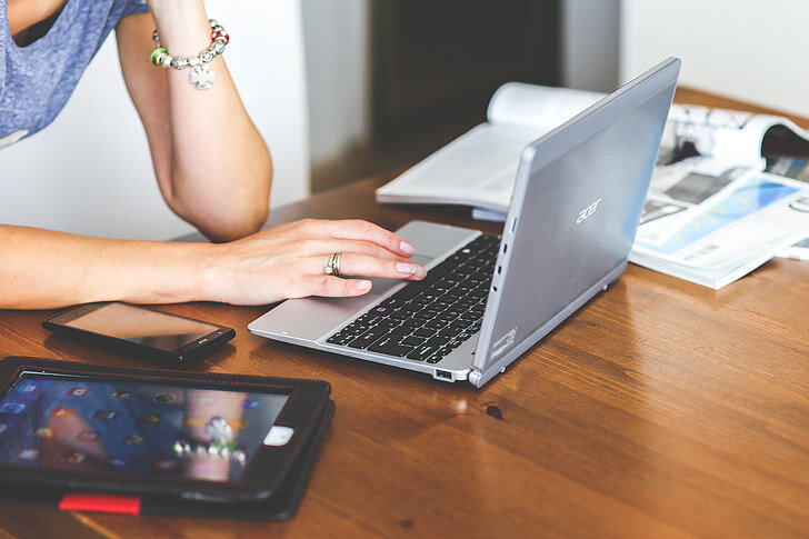 Laptop Acer Aspire ES1-572-32GZ NX.GKQSV.001 15.6 inch