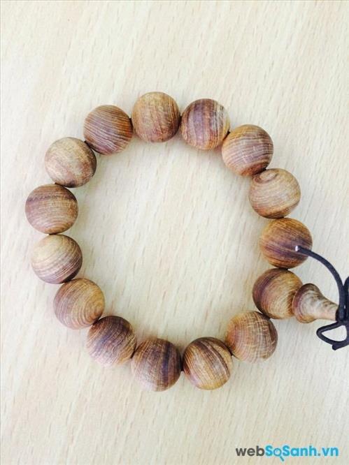 Chuỗi hạt đeo tay bằng gỗ ngọc am