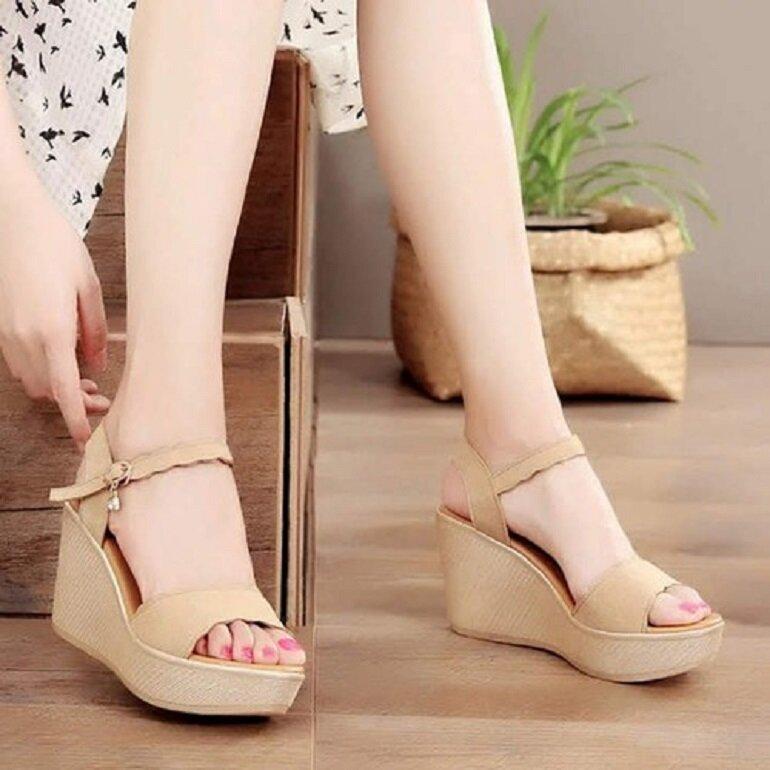 giày sandal đế xuồng sang trọng