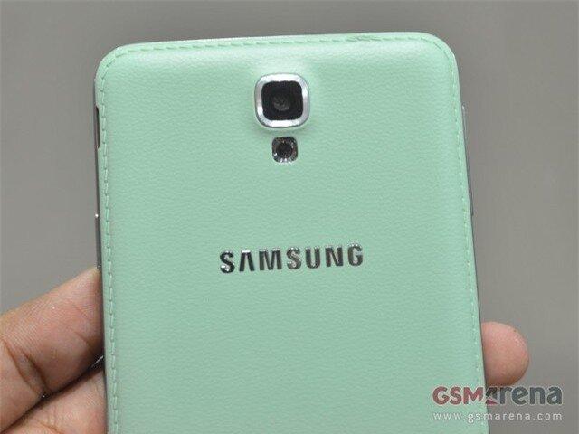 Lộ diện Galaxy Note 3 giá rẻ màu xanh lạ mắt