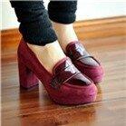 Giày cao gót đế vuông bít đầu màu đỏ – CG09