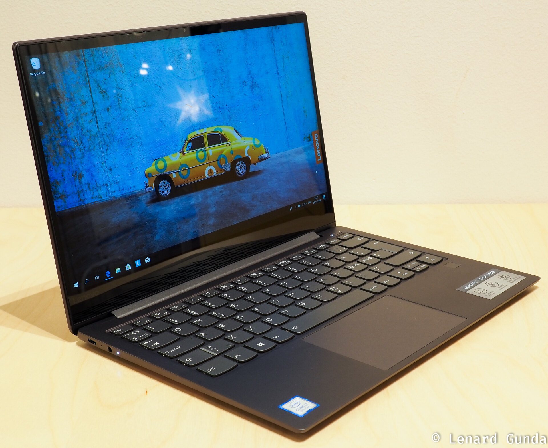 Laptop Lenovo Yoga S730