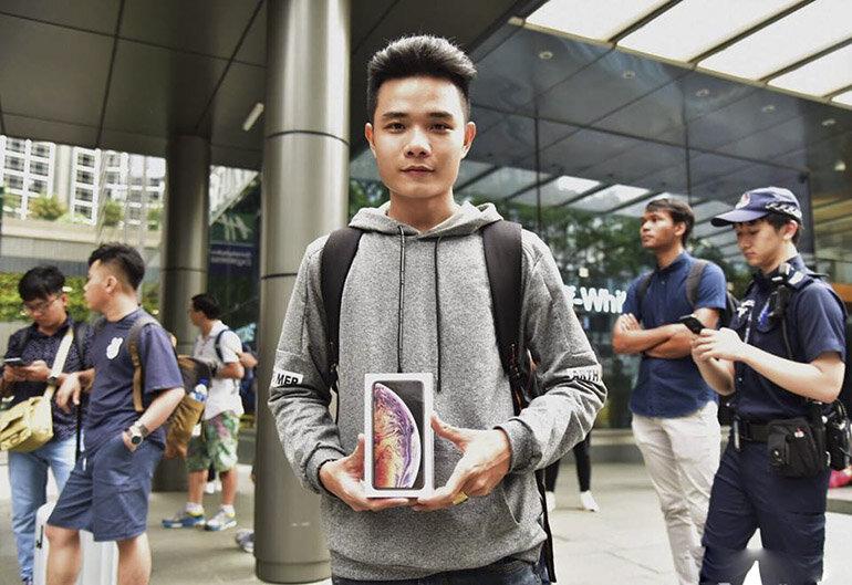 79 triệu đồng cho một chiếc điện thoại iPhone Xs Max xách tay về Việt Nam