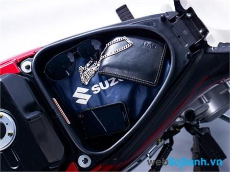 Cốp xe Suzuki Revo rộng 8 lít