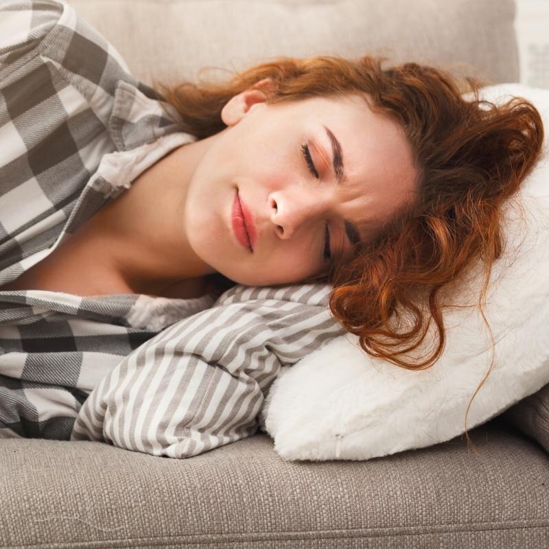 Uống viên nghệ hỗ trợ điều trị viêm loét dạ dày