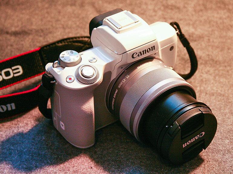 Canon M50 và 800D đều có những tính năng ưu Việt
