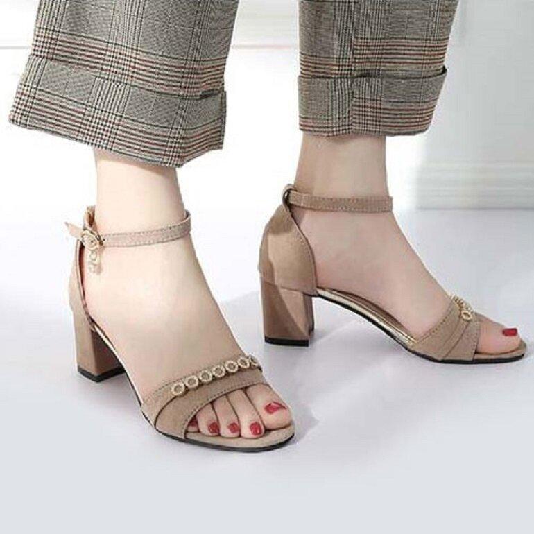 sandal nữ cao gót đơn giản