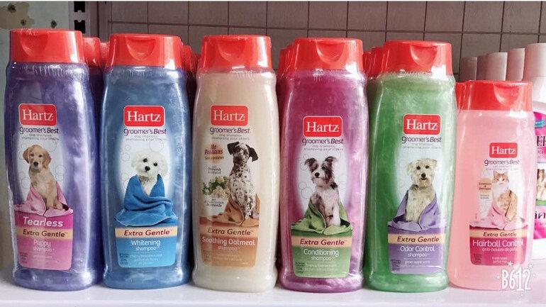 Sữa tắm cho chó lông trắng Hartz