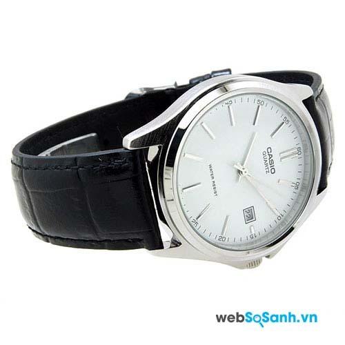 Một chiếc đồng hồ Casio