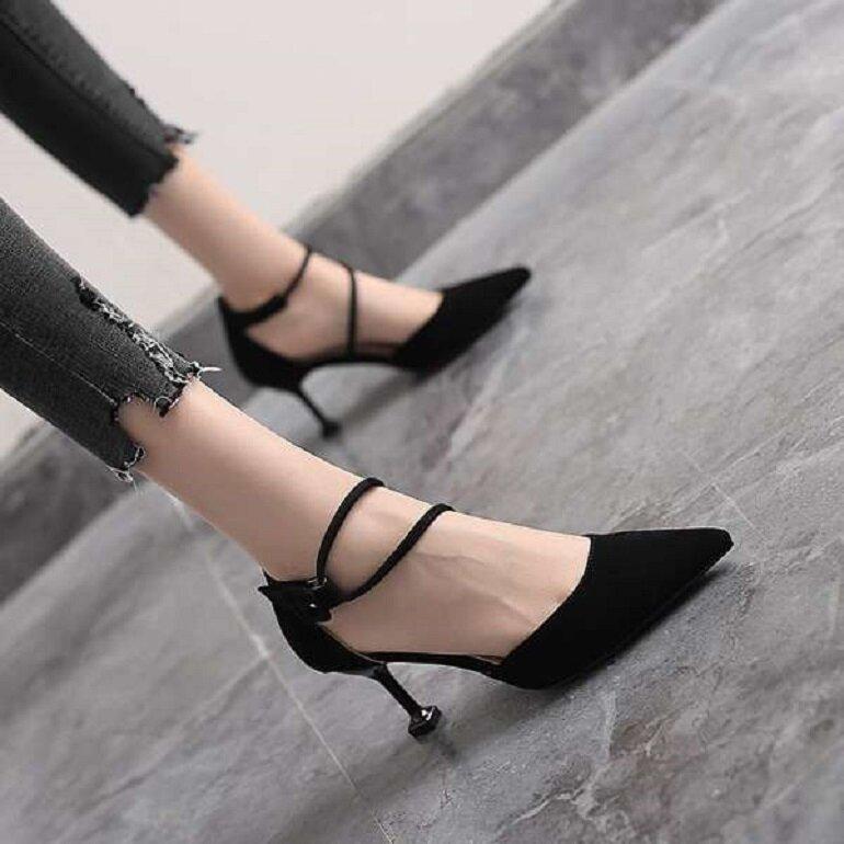 giày cao gót sandal đế đen