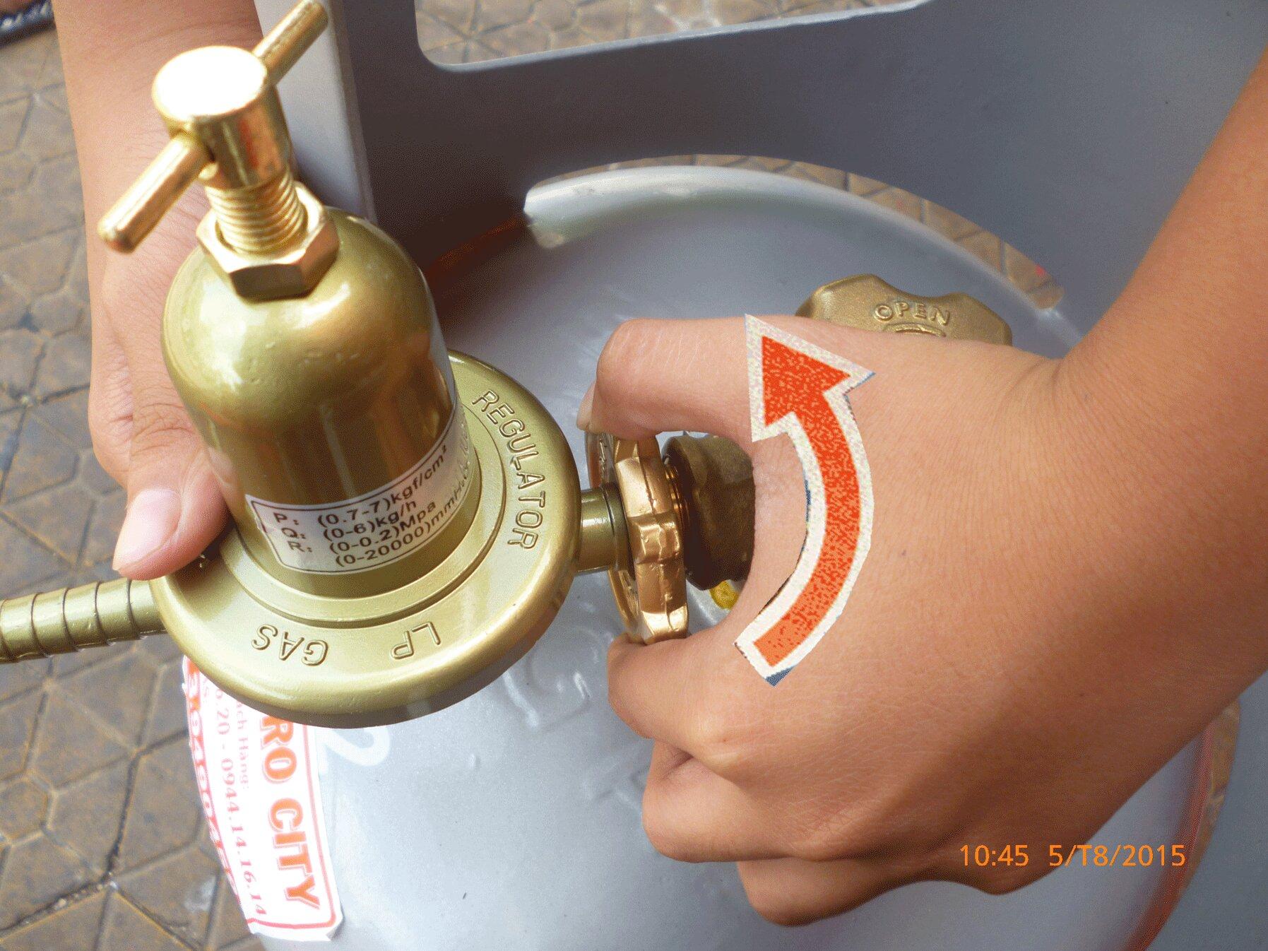 Kiểm tra lại van trên bình gas