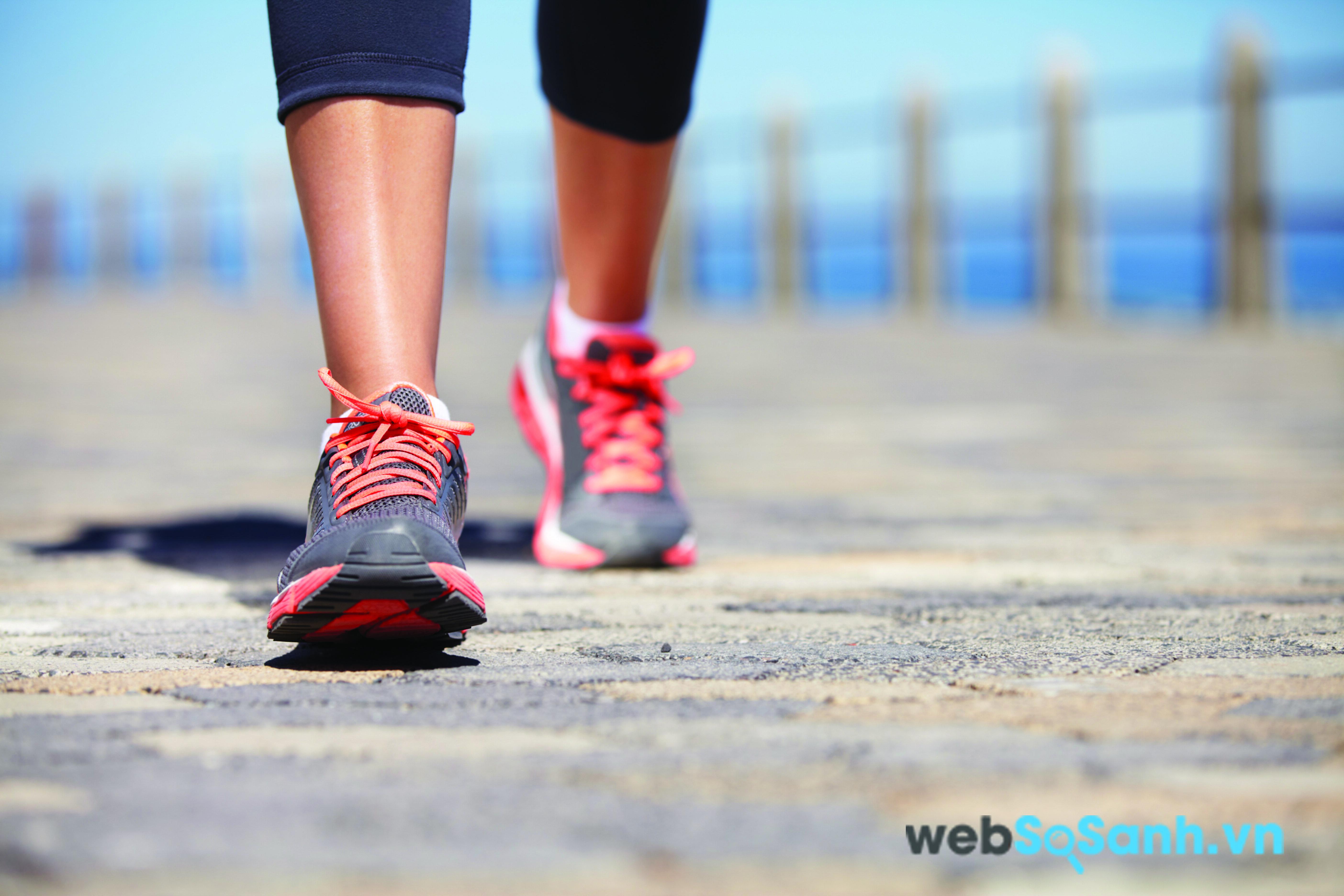 Đi bộ đúng cách sẽ giúp làm giảm huyết áp