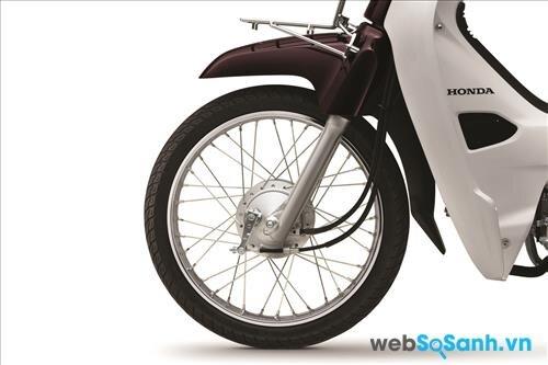 Honda Dream vẫn sử dụng bánh vói vành nan hoa truyền thống