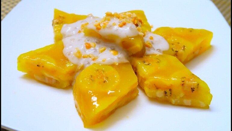 Bánh chuối hấp với nước cốt dừa