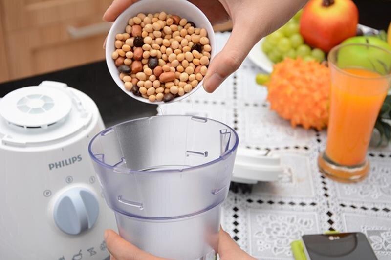 Có thể xay bột bằng máy xay sinh tố không?