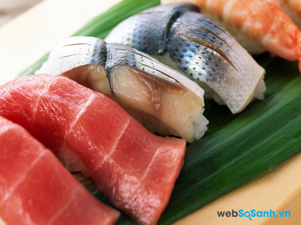 Để bảo quản cá lâu, nên cắt các thành từng miếng nhỏ, gói kĩ trong ni lông rồi cho vào ngăn mát tủ lạnh