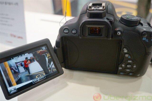 https://review.websosanh.net/Images/Uploaded/Share/2014/12/21/So-sanh-Nikon-D5300-voi-Canon-EOS-700D-May-anh-cho-nguoi-moi-bat-dau-P1_3.jpg