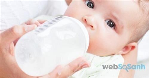 Mẹ nên chọn loại sữa công thức nào phù hợp với bé vừa vừa túi tiền của mẹ