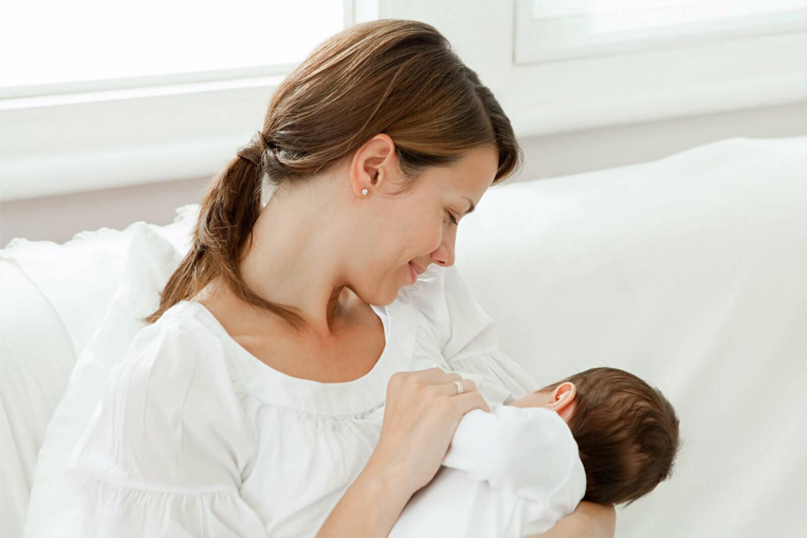 Đừng quá lo lắng khi có dấu hiệu tắc tia sữa sau sinh