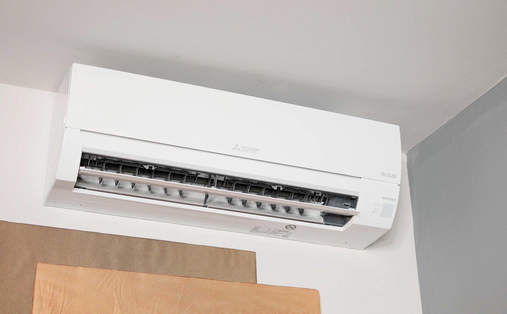 Việc mở máy lạnh suốt đêm sẽ mang lại nhiều hậu quả khó lường cho người dùng
