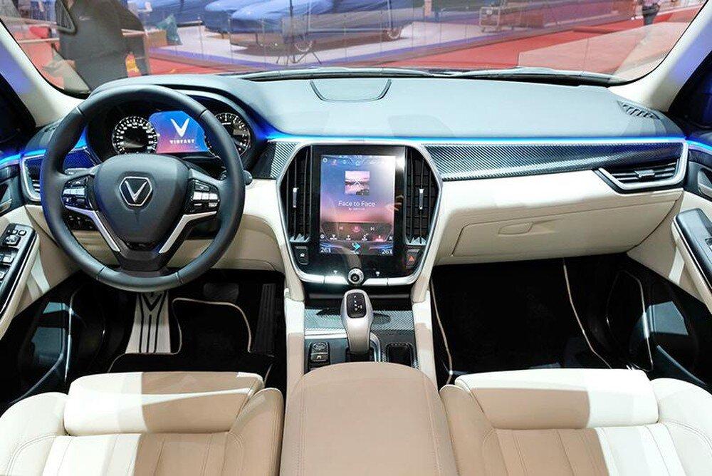 VinFast Lux V8 sở hữu nội thất sang trọng