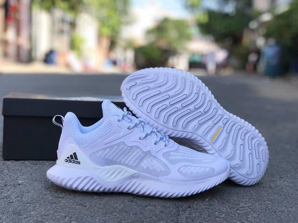 giày thể thao adidas chính hãng màu trắng