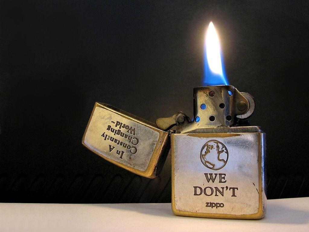 Bật lửa là vật dụng không thể thiếu