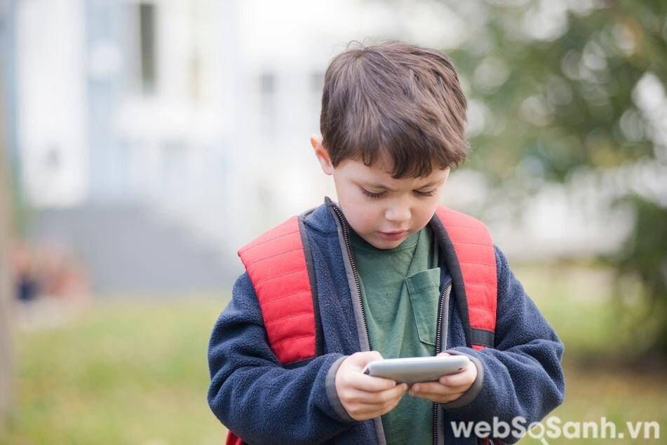 Trẻ nhỏ có nguy cơ ảnh hưởng cao hơn nhiều bởi não bộ chưa hoàn thiện