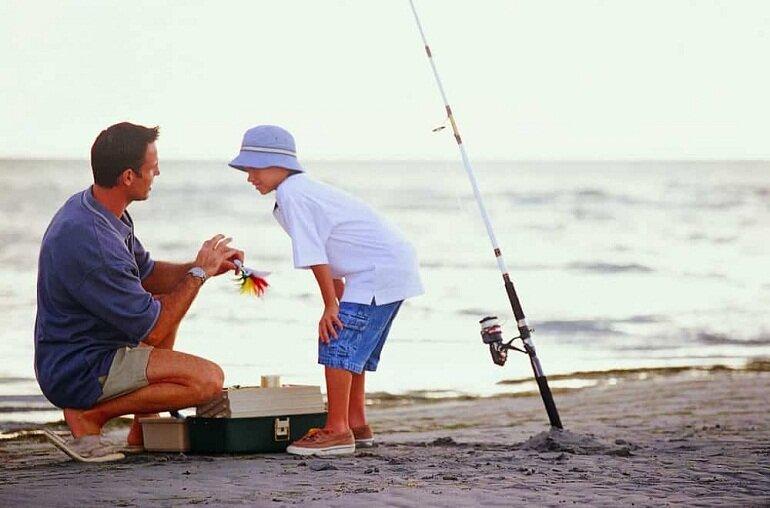 Một trong những kỹ năng mà người câu cần phải học là cách gắn phao câu cá