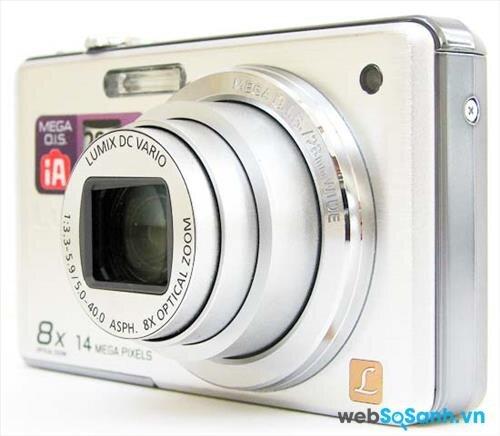 Máy ảnh du lịch Lumix DMC-FH20 có kích thước gọn nhẹ với trọng lượng vào khuản 162 g