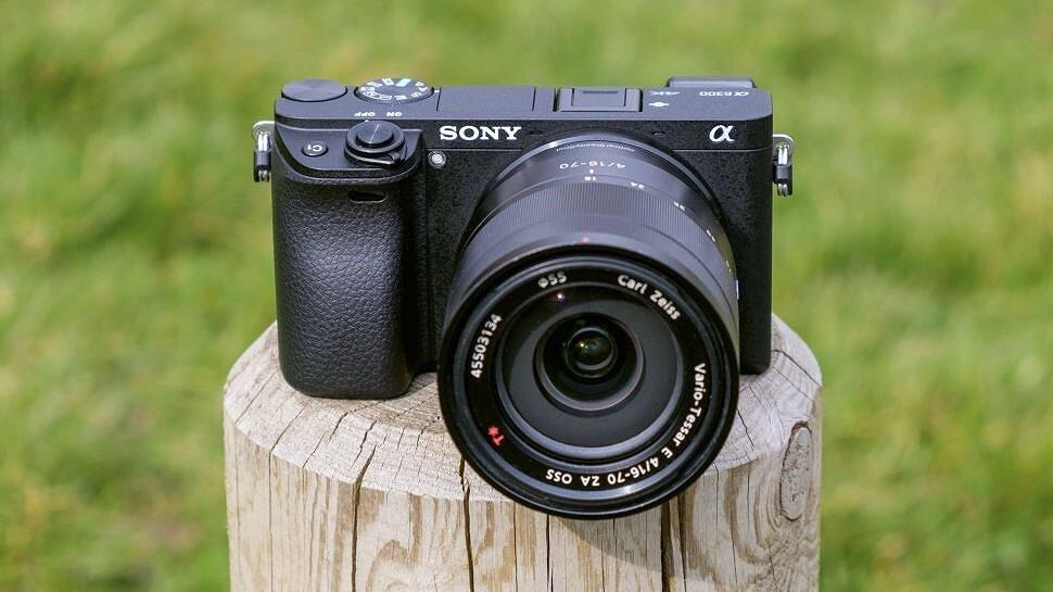 """""""Cơn sốt"""" máy ảnh Sony A6300"""