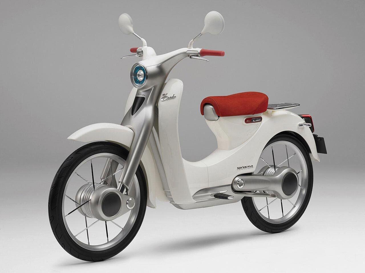 EV-CUB xe máy điện có vận hành êm, tải trọng lớn