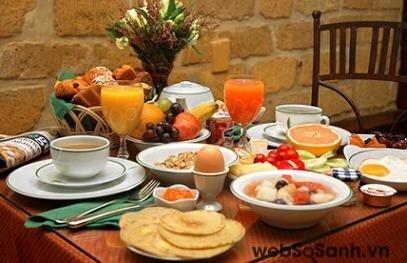 Bữa sáng ngon miệng bắt đầu một ngày làm việc hiệu quả