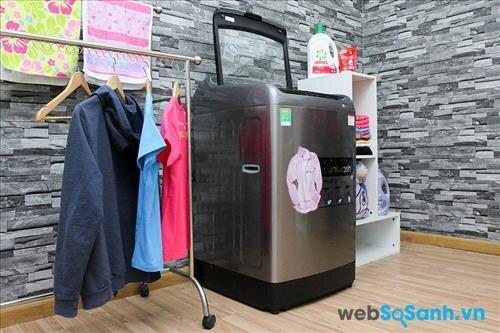 Samsung WA14J6750SP/SV có khối lượng giặt 14 Kg